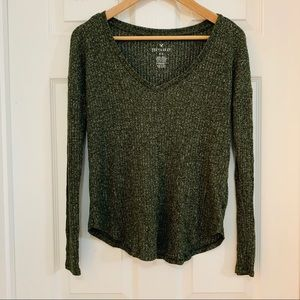 American Eagle Outfitters Green Long Sleeve Tee